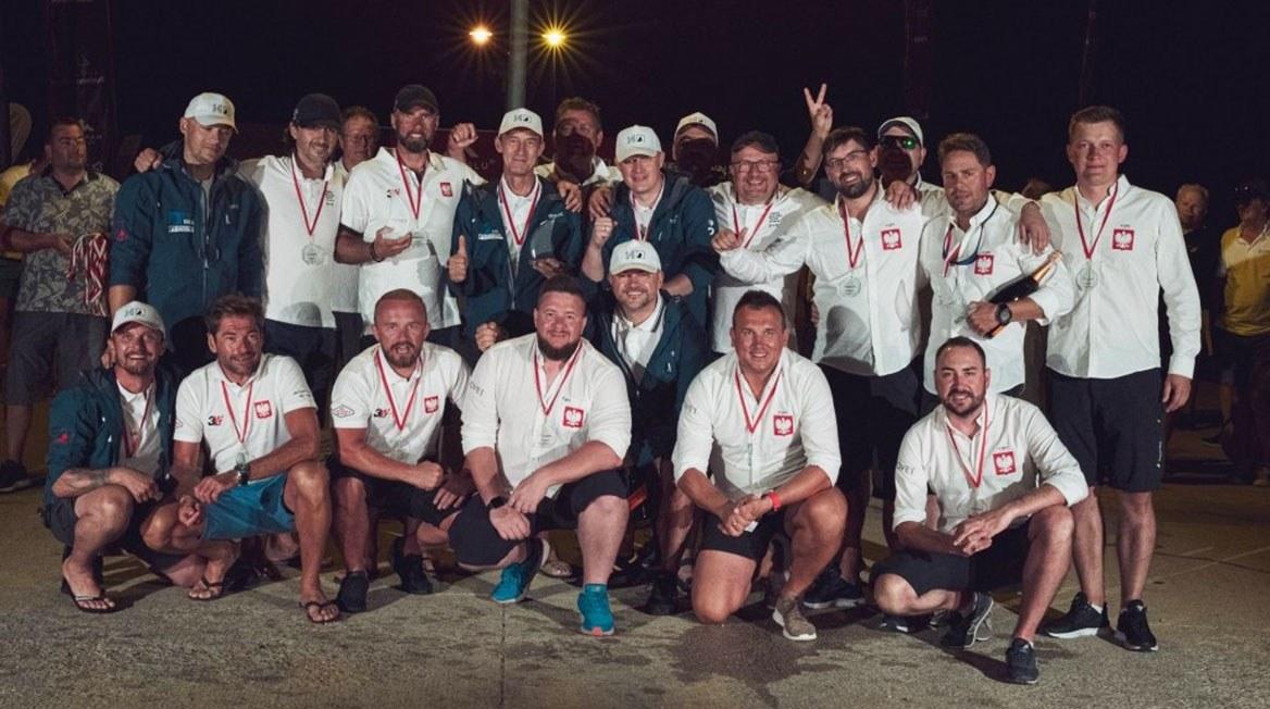 Dowodzona przez skippera Przemysława Kaczmarka załoga NOVET bardzo dzielniewalczyła na regatach w Chorwacji i ostatecznie uplasowała się na trzecim miejscu w klasyfikacji generalnej (klasa ORC 3).